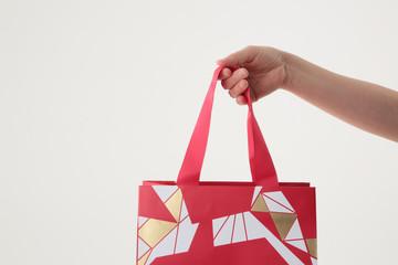 引越しの「挨拶品」「ギフト」はどこで買うべき?効率的な購入方法